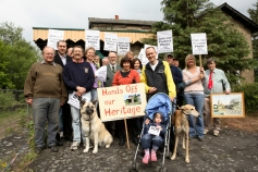 JDJ wit hs small group at the 'famous' save Histon station demo